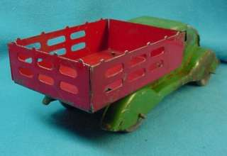 Vintage Tin Toy Farm Truck, Vintage 1938. 10 inches long.